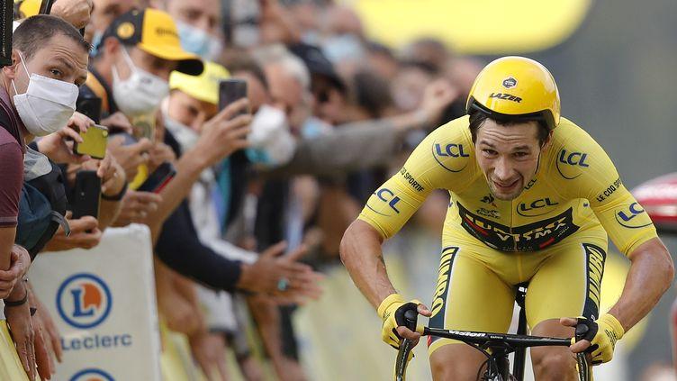 Primoz Roglic à l'arrivée du contre-la-montre de la 20e étape. (CHRISTOPHE ENA / POOL)