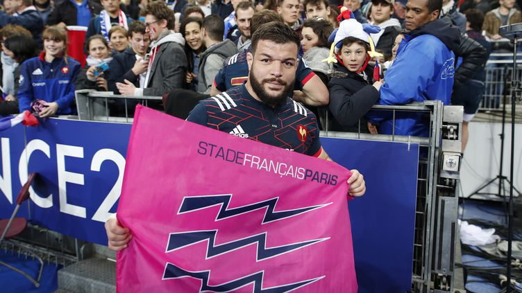 Rabah Slimani, sous le maillot de l'équipe de France avec les couleurs du Stade Français, un club qu'il quittera à l'issue de la saison (BENJAMIN CREMEL / BENJAMIN CREMEL)