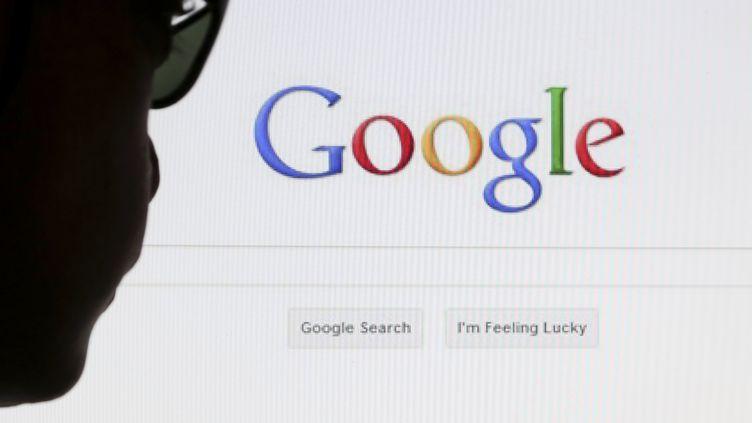 Selon un étude de l'Ipsos dévoilée mardi 25 novembre 2014, la moitié des Français (51%) se recherchent sur Google, Bing et les autres moteurs de recherche par curiosité. (FRANCOIS LENOIR / REUTERS)