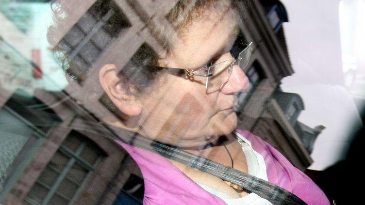 Dominique Cottrez à son arrivée chez le juge d'instruction, le 13 juillet 2011, à Douai (Nord). (MAXPPP)
