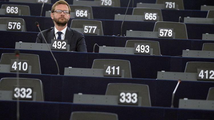 Le député européen UMP Jérôme Lavrilleux, le 1er juillet 2014, sur les bancs du Parlement européen deStrasbourg(Bas-Rhin). (PATRICK HERTZOG / AFP)