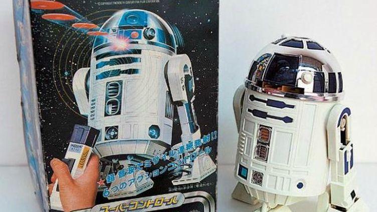 Cedroïde R2-D2 radiocommandé,lanceur de disques, date de 1979. Estimation : 350 euros. (HOTEL DROUOT)