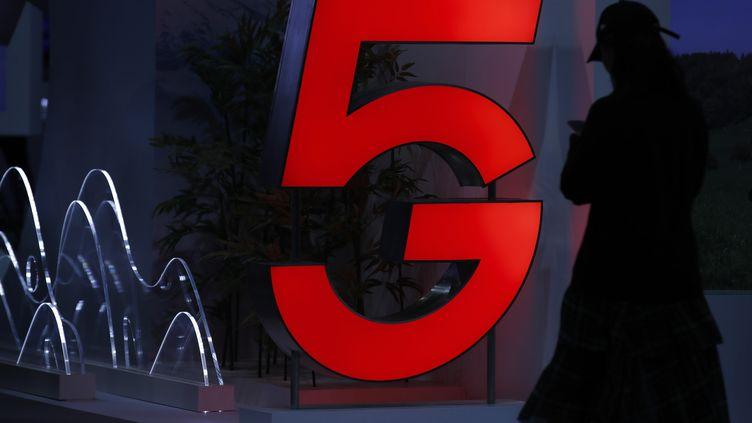 Le 5G doit faire son appatrition en France dans le courant de l'année 2020. Photo d'illustration. (STEFAN WERMUTH / AFP)