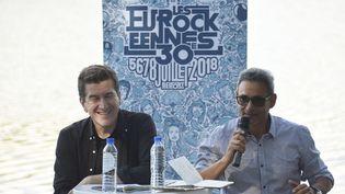 Le directeur du festival desEurockéennesJean-Paul Roland (à droite), en compagnie deMatthieu Pigasse, président du festival belfortain,lorsd'une conférence de presseen 2018. (SEBASTIEN BOZON / AFP)
