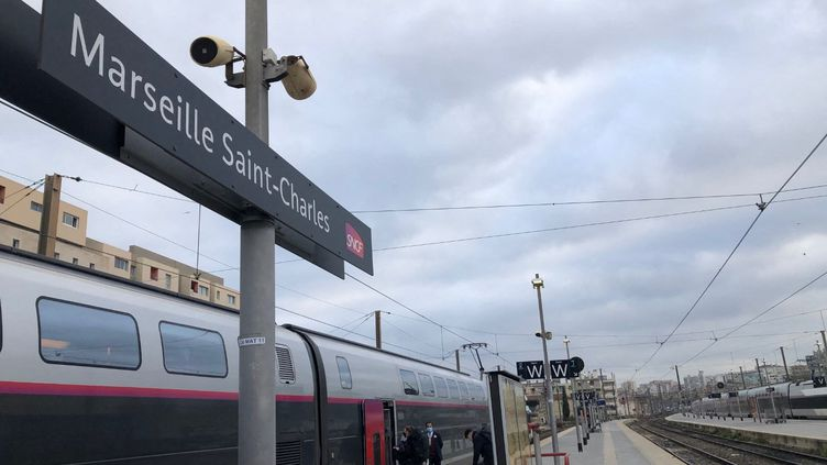 Une enquête a été ouverte pour tenter de connaître la raison de ces tirs sur un TGV Paris-Marseille. (NELLY ASSENAT / FRANCE-BLEU PROVENCE)
