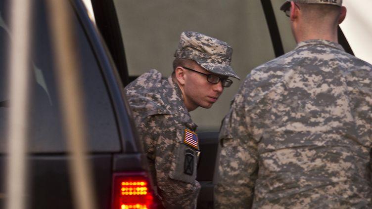 Le soldat américain Bradley Manning, soupçonné d'avoir transmis des renseignements confidentiels au site WikiLeaks, lors d'une audition à Fort Meade (Maryland) le 19 décembre 2011. (BENJAMIN MYERS / REUTERS)