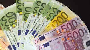 Billets d'euro. (THOMAS MUNCKE / DPA)
