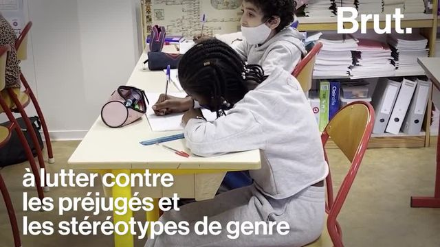 Dans cette classe de CE2, les enfants suivent des cours sur les préjugés et les stéréotypes sur les femmes et les hommes. Brut a suivi l'un d'eux.