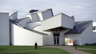 Frank Gehry, Vitra InternationalFurniture Manufacturing Facility and Design Museum, 1987-1989, Weil-am-Rheim, Allemagne  (photo Thomas Mayer)