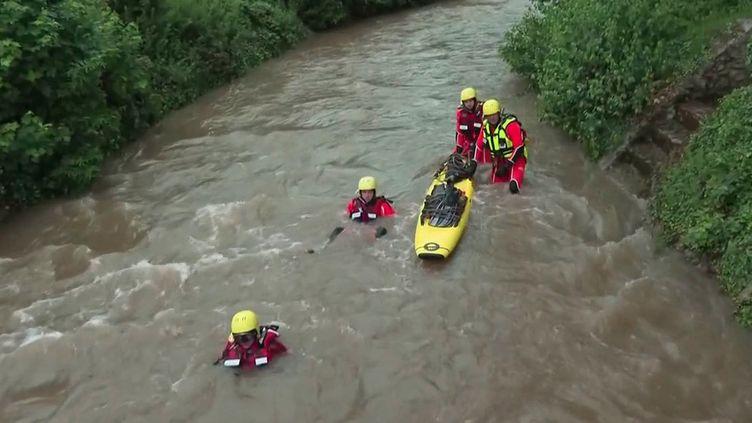 Inondations : un lycéen de 17 ans toujours disparu à Beauvais (France 3)