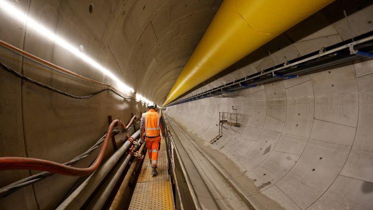Des travaux pour étendre le réseau dumétro parisien, le 19 février 2021. (LUDOVIC MARIN / AFP)