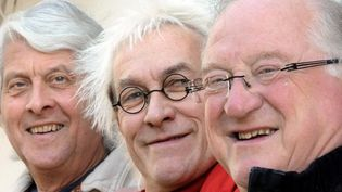 Jean-Paul Corbineau, Jean-Louis Jossic et Jean Chocun, tous trois fondateurs du Groupe Tri Yann  (DAMIEN MEYER/AFP)