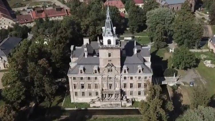 Le palais Hochberg, en Pologne. (CAPTURE D'ÉCRAN FRANCE 3)