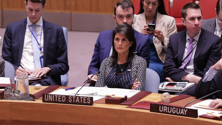 L'ambassadrice américaine à l'ONU, Nikki Haley, lors d'une réunion du Conseil de sécurité, le 28 septembre 2017 à New York. (LUIZ RAMPELOTTO / EUROPANEWSWIRE / AFP)