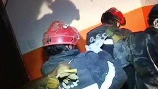 Népal : sauvé des décombres par des secouristes français