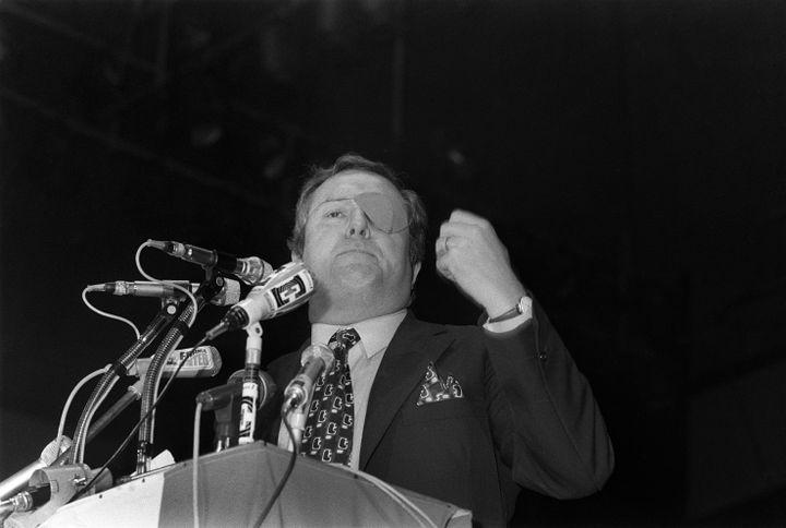 Jean-Marie Le Pen à la tribune, à Paris, le 3 février 1973, lors de la campagne pour les élections législatives. (AFP)