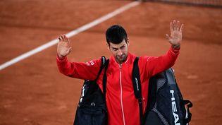 Le Serbe Novak Djokovic après sa victoire en demi-finale de Roland-Garros vendredi 9 octobre. (MARTIN BUREAU / AFP)