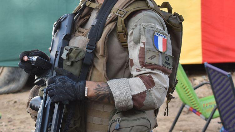 Un soldat français de l'opération Barkhane à Tombouctou au Mali le 9 septembre 2021. (MAIMOUNA MORO / AFP)