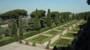 Ce vendredi 17 juillet, la série de l'été du JT de 13 Heures vous emmène à Castelgondolfo, en Italie, dans les jardins des papes (France 2)