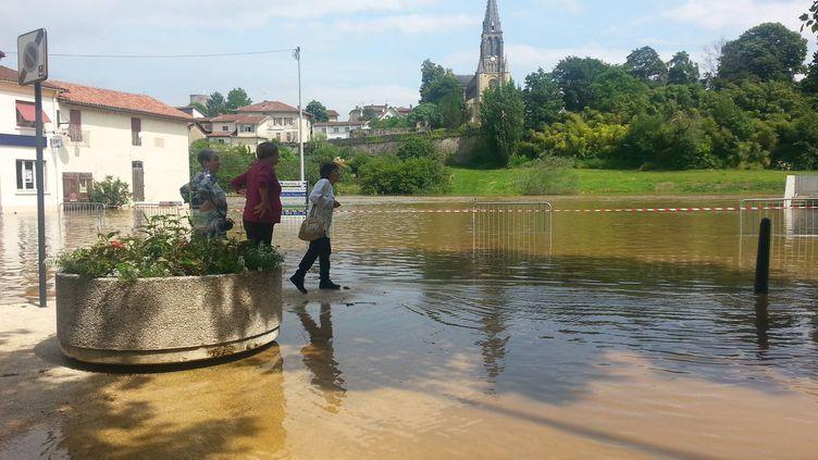 La ville de Tartas, sous l'eau, le 11 juin 2013. Le département des Landes est à nouveau placé en vigilance orange inondations le 18 juin 2013. ( MAXPPP)