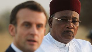Le président français, Emmanuel Macron, et le chef d'Etat nigérien,Mahamadou Issoufou, le 22 décembre 2019 à Niamey (AFP - LUDOVIC MARIN / POOL)