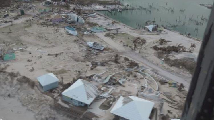 Bahamas: le chaos (Bahamas: le chaos)