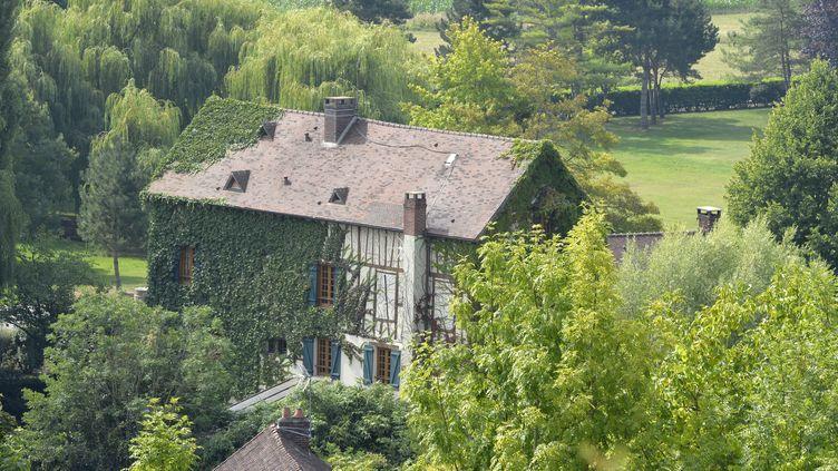 Le moulin de Cossy à Giverny (Eure), résidence secondaire de Patrick et Isabelle Balkany, photographié le 12 août 2015. (MIGUEL MEDINA / AFP)
