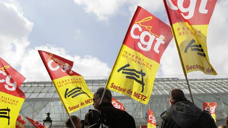 Une manifestation de cheminots à Paris, le 4 avril 2012. (MAXPPP)