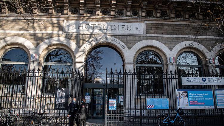 L'Hôtel-Dieu, un des hôpitaux du groupe APH-HP (Assistance Publique-Hôpitaux de Paris). (MARTIN BUREAU / AFP)