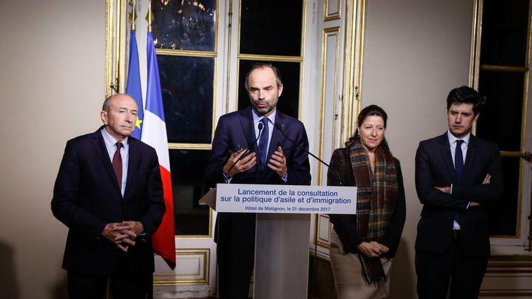 """Edouard Philippe a annoncé jeudi soir le lancement en janvier d'une """"consultation"""" autour du futur projet de loi sur l'immigration, à l'issue d'une réunion avec une trentaine d'association d'aide aux migrants. (MAXPPP)"""