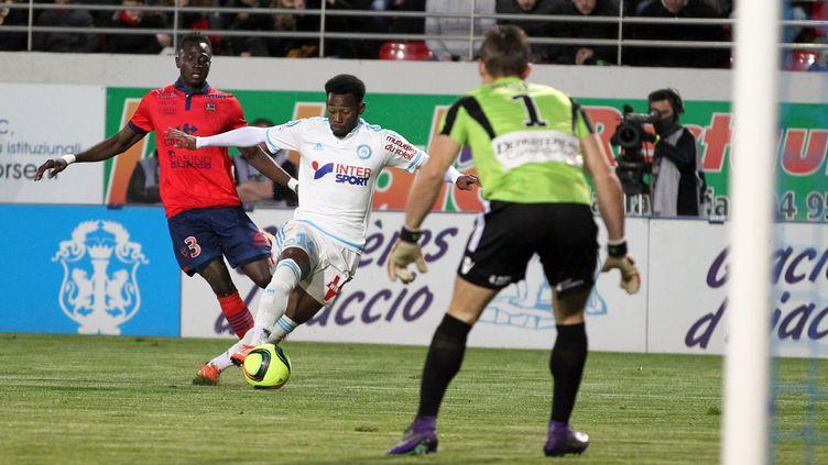 Nkoudou et Marseille ont souffert sur la pelouse du Gazélec Ajaccio (PASCAL POCHARD-CASABIANCA / AFP)