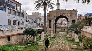 Vue de Tripoli, la capitale libyenne, le 14 janvier 2020. (MAHMUD TURKIA / AFP)