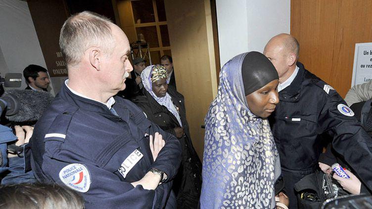 (La famille de Bouna, l'une des victimes de l'accident de Clichy-sous-Bois, assiste au procès entamé lundi à Rennes © MaxPPP)