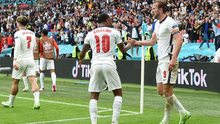 Raheem Sterling et Harry Kane ont marqué les deux buts de la victoire de l'Angleterre face à l'Allemagne (2-0) en huitièmes de finale de l'Euro, mardi 29 juin 2021. (ANDY RAIN / AFP)