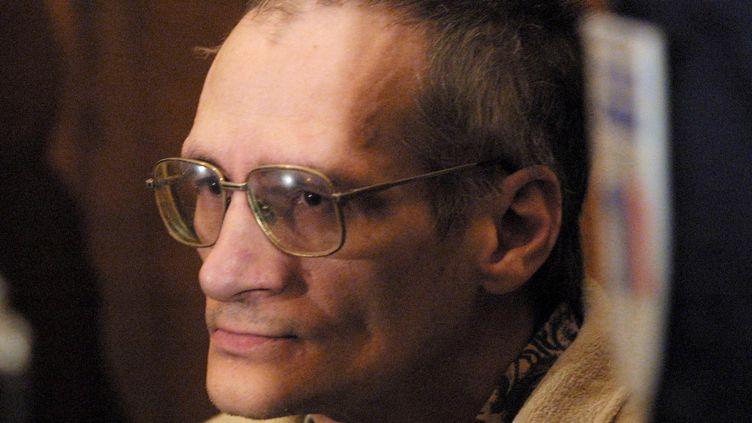 Francis Heaulme, le 3 décembre 2001 au palais de justice de Metz. (DAMIEN MEYER / AFP)