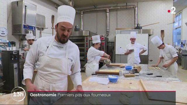 Gastronomie : premiers pas aux fourneaux pour un cadre en reconversion dans la boulangerie