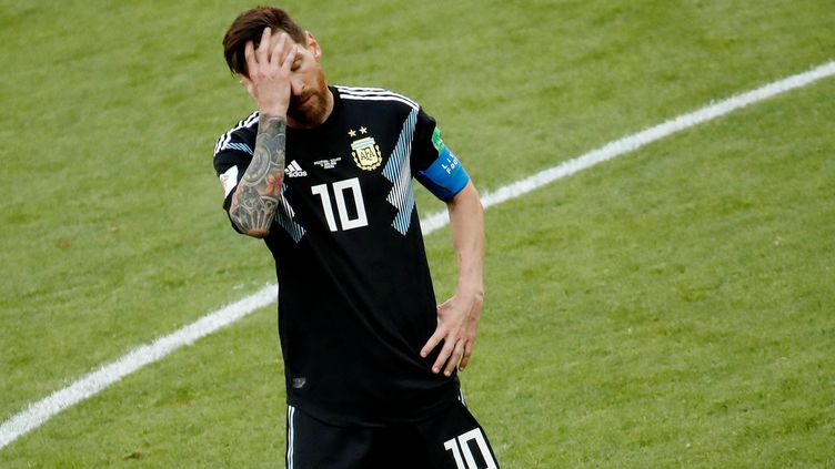 L'Argentin Lionel Messi a manqué un pénalty contre l'Islande (1-1), samedi 16 juin à Moscou (Russie). (CHRISTIAN HARTMANN / REUTERS)