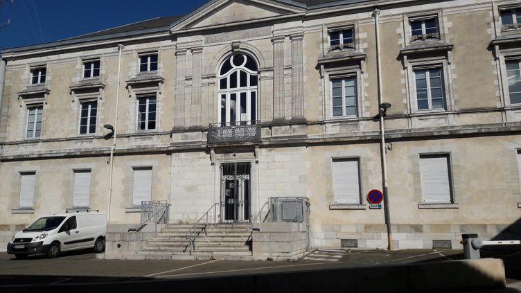 Le palais de justice de Dax où une famille landaise a déposé plainte après le décès d'un retraité de 75 ans vacciné contre le Covid-19. (VALÉRIE MOSNIER / FRANCE-BLEU GASCOGNE)