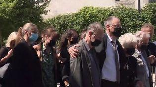 Un dernier hommage rendu au père Olivier Maire à Saint-Laurent-sur-Sèvre. (FRANCEINFO)