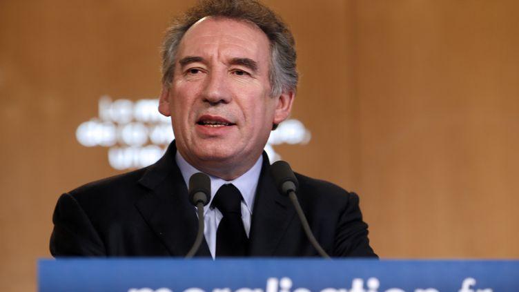Le président du MoDem, François Bayrou, prononce un discours sur la moralisation de la vie politique, le 3 avril2013 à Paris. (KENZO TRIBOUILLARD / AFP)