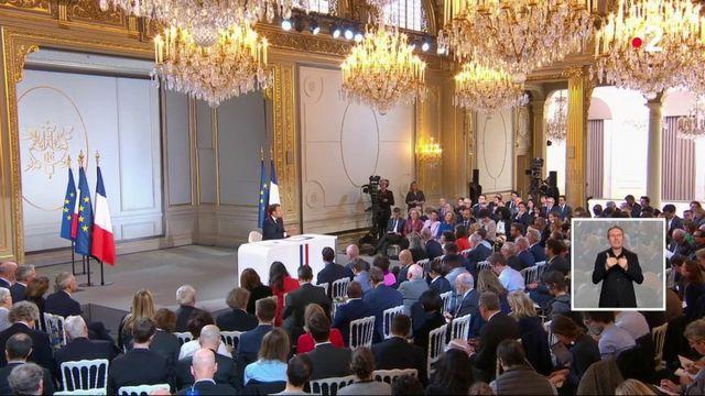 Immigration : un virage à droite pour Emmanuel Macron ?