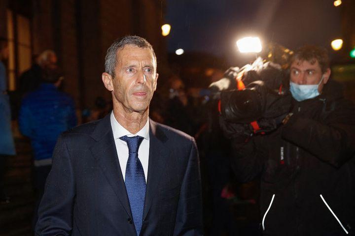 Beny Steinmetz lors de son procès à Genève en Suisse le 22 janvier 2021. L'homme d'affaire franco-israélien a été condamné à cinq ans de prison pour corruption en première instance. (STEFAN WERMUTH / AFP)