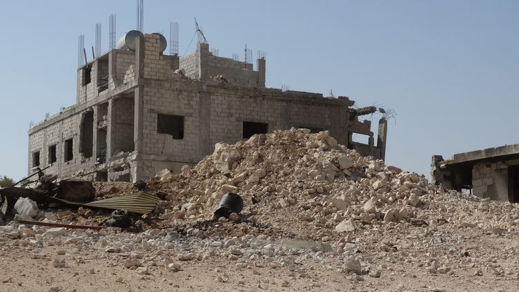 L'hôpital Al-Tahd'Idleb (Syrie), après une frappe aérienne, le 19 septembre 2017. (BILAL BAIOUSH / ANADOLU AGENCY / AFP)
