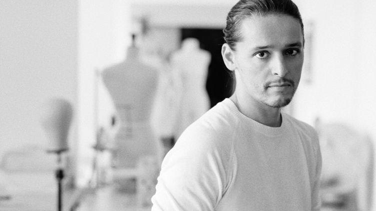 Le créateur Olivier Theyskens, le nouveau directeur artistique de la maison Azzaro couture, février 2020 (MAISON AZZARO)