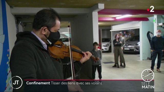 Covid-19: à Lyon, quand les voisins transforment leur parking en lieu de convivialité