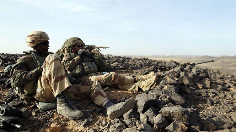 Des soldats français participent à une opération dans le nord du Mali, le 16 mars 2013. (KENZO TRIBOUILLARD / AFP)