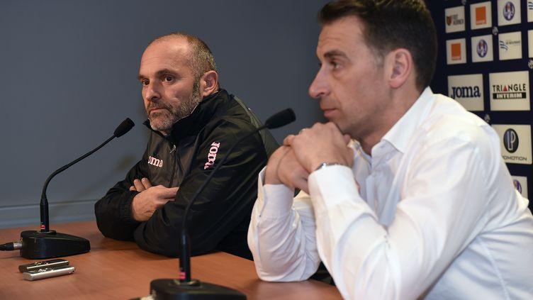 Pascal Dupraz aux côtés du président Sadran (ERIC CABANIS / AFP)