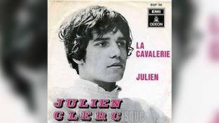 Mai 68 a failli faire passer inaperçu le premier 45 tours de Julien Clerc. (EMI ODEON)