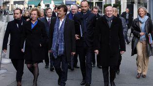 Le Premier ministre Edouard Philippe et son gouvernement en route vers l'Elysée, à Paris, le 3 janvier 2018. (FRANCOIS MORI / AFP)