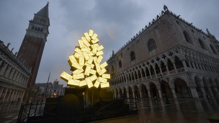 La place Saint-Marc à Venise, le 4 décembre 2020. (ANDREA PATTARO / AFP)
